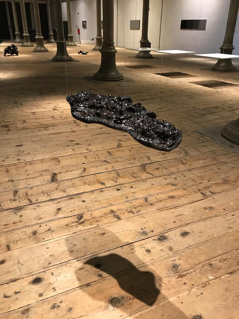 WOOD SHINY / CARBON BLACK Sculpture  67 x 35 x 14 cm Wood Carbon Epoxy resin Car paint metallic matte glossy