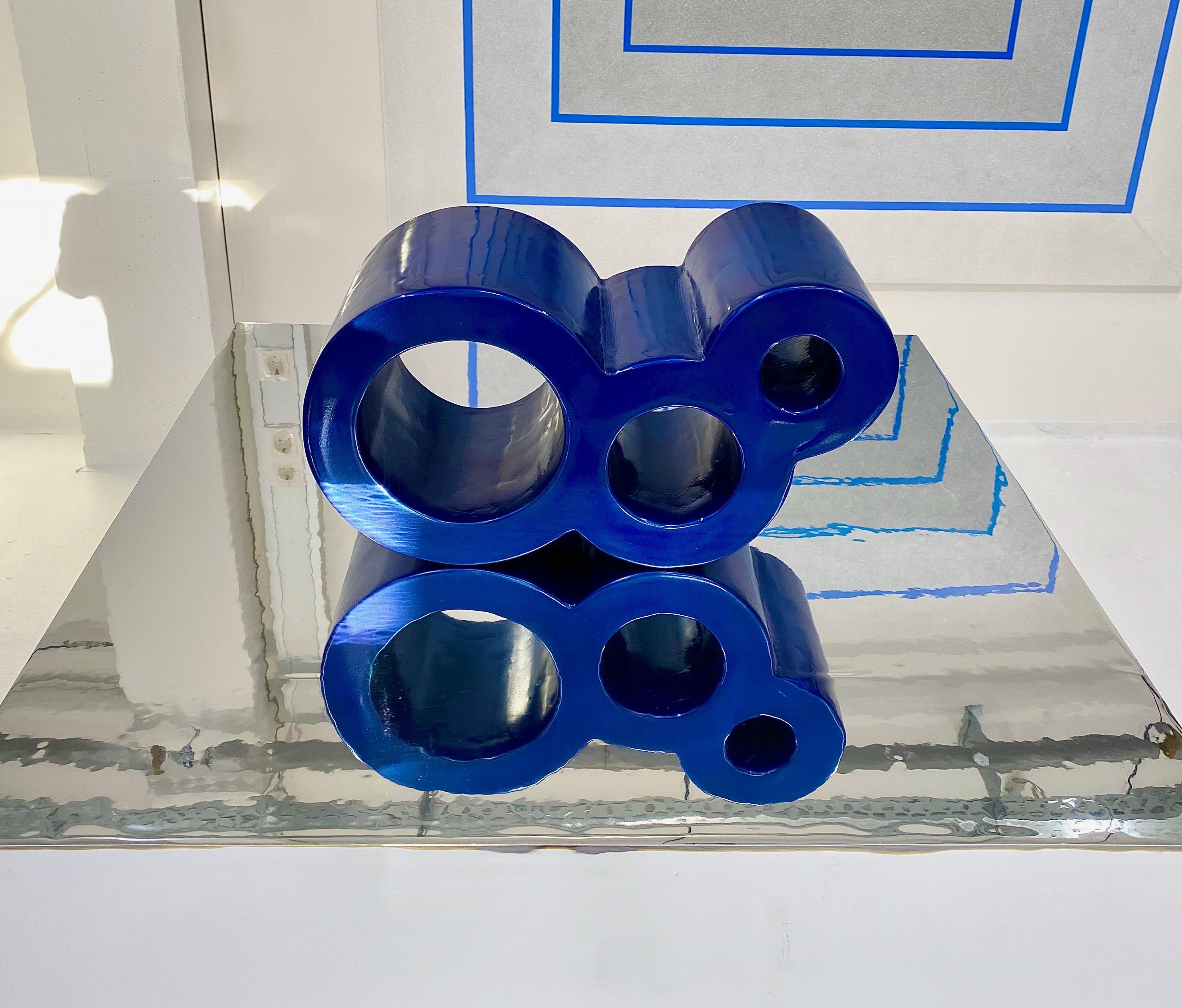 ENDLESS 03 Sculpture 48 x 26 x 21 cm  Composite Carbon Epoxy resin Car paint metallic